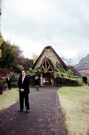 cathedral-peak-wedding-photographer-10