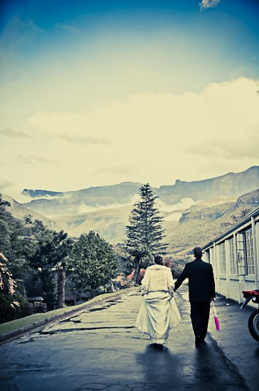 cathedral-peak-wedding-photographer-33